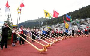 Alphorn-Grossformation Eröffnungsfeier