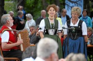 Duett Nadja Räss - Marie Theres von Gunten bei Fernsehsendung